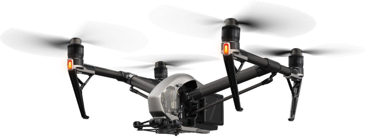 vista lateral del drone dji inspire 2 en vuelo