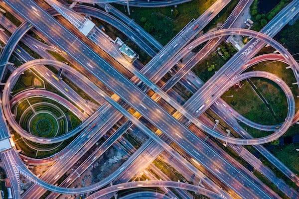 nuda de carreteras vigilado por drones