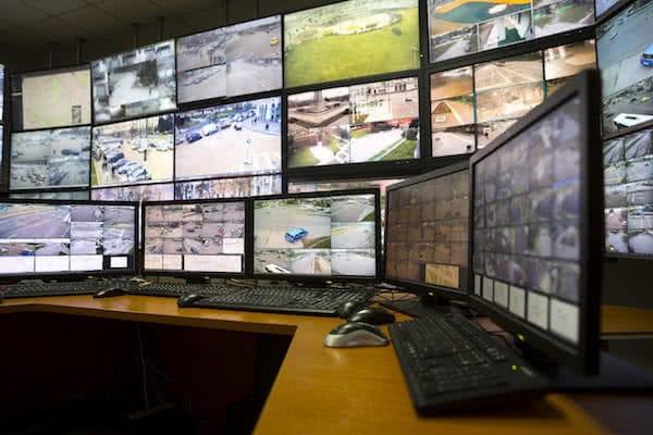 sala de control de trafico con drones