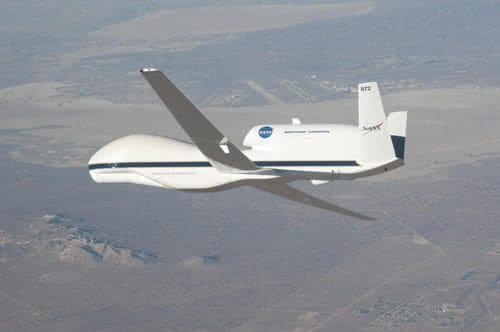 dron global hawk de la nasa en vuelo