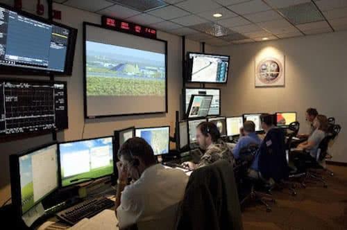 centro de control del global hawk de la nasa para servicios de meteorologia con drones