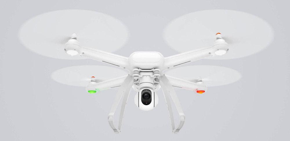 xiaomi mi drone 4k vista frontal en vuelo